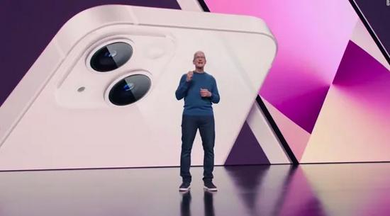 霸占热搜!iPhone13罕见降价,最多猛降800元,意在中国份额?5纳米A15芯片、电影级摄像头…A股小伙伴一起嗨