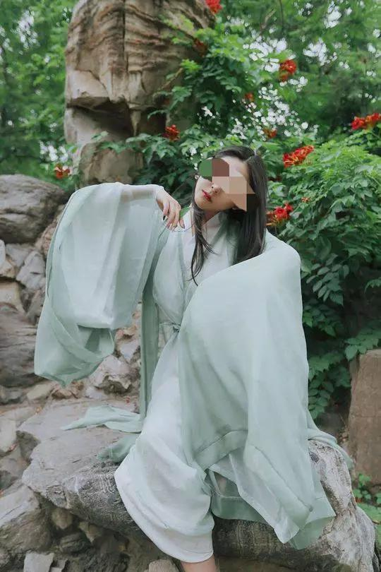 美国媒体Globe Intel曝出Sherry Guo的照片