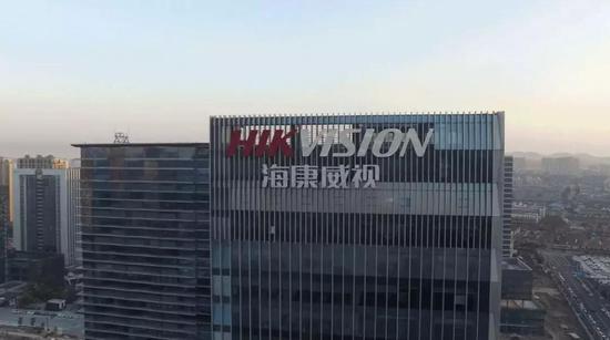 """喜报送到家""""地震举牌男孩""""荣立三等功(图)"""