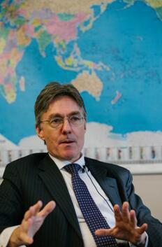 亚投行副行长:中国是一个非常负责的大股东