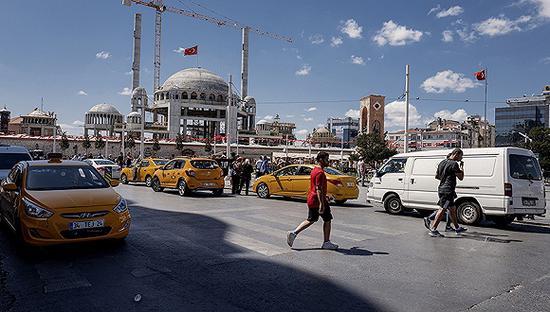 模范生土耳其败绩背后:经济与地缘政治双重危机