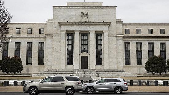 2018年2月22日,美国华盛顿,美联储大楼外。图片来源:视觉中国