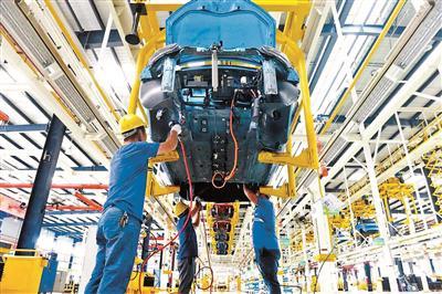 停产关厂为新造车势力代工 破解汽车产能过剩困局