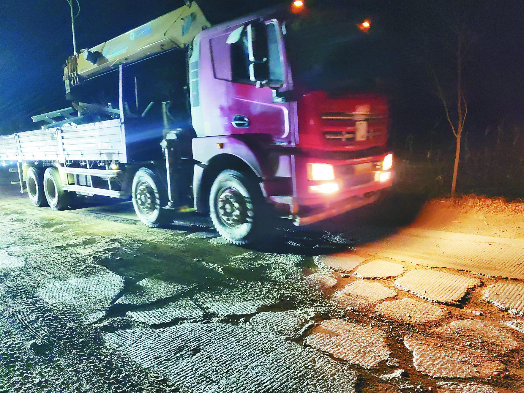 黑龙江多地段公路破损严重:路面坑洼龟裂成鱼鳞 周边群众盼维修