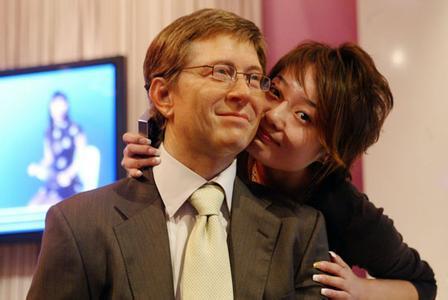 比爾蓋茨的風流情史,妻子同意他與前女友同居