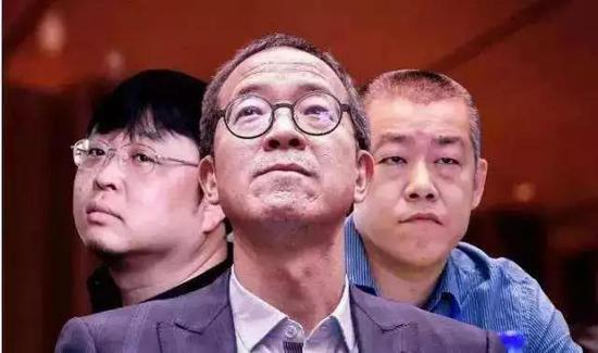 东方三幻神:俞敏洪(中)、罗永浩(左)、李笑来