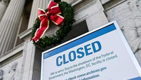 ▲2018年12月22日,美国华盛顿,国家档案馆受当局关门影响关闭。图片来源:视觉中国