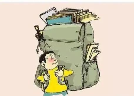 """""""天价""""网红书包值得买吗?专家:低年级不适合拉杆式"""