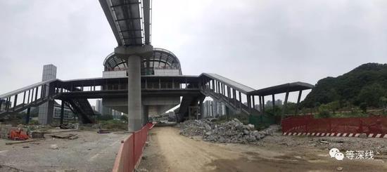云∑ 轨项目首期工程中,两个车站均已基本成型。 《等深线》记者 孙丽朝 摄影
