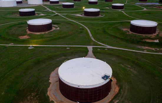 周三美油收高2.5%布油涨2.6% 均创13个月新高