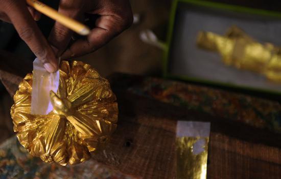 美元与美债收益率齐涨 黄金期货创9个月新低