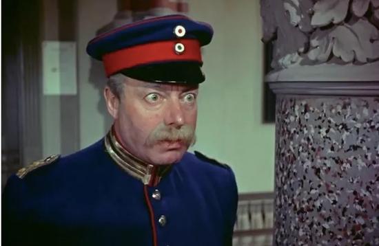 电影《科佩尼克上尉》中展现的沃伊特现象