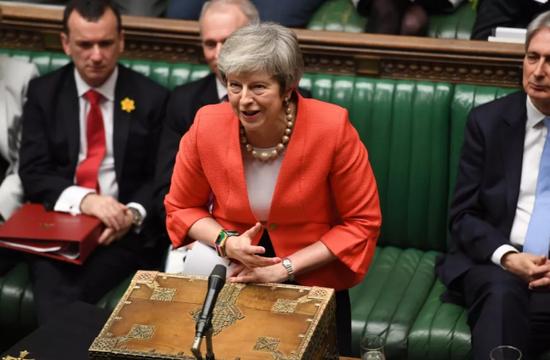 ▲2月27日,在英国伦敦,英国首相特雷莎·梅在议会下院进行首相问答。新华社发(英国议会摄影师杰西卡·泰勒摄)