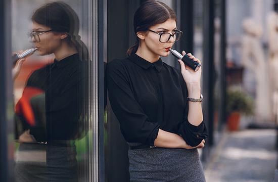纽约州宣布紧急行政令 禁止销售调味电子烟
