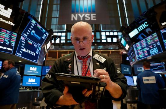 美股初秋或面临震荡 Facebook等将不再被划为科技股科技股