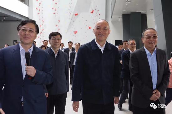 北京市委书记走访中关村 称赞联想扛起民族产业大旗