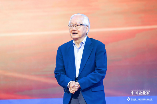 经济学家、国务院发展钻研中心钻研员吴敬琏
