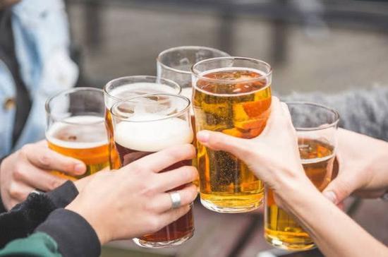 产量增长不到1%利润却涨24% 啤酒行业为何这么皮?