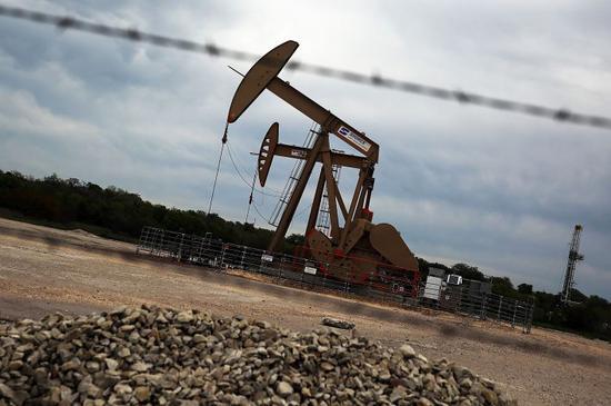 美国原油价格实时行情:周一跌4美分 收于63.10美元/桶