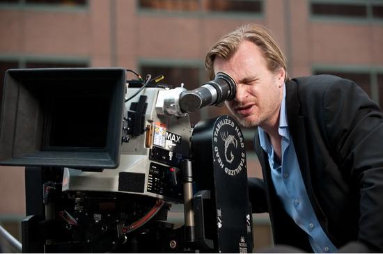 ▲ 导演诺兰曾外示流媒体与院线同步上线影片愚昧至极.