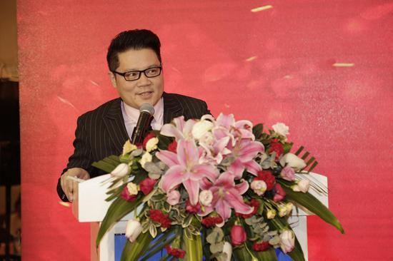 图为诺亚方舟询问管理有限公司总裁李文悌