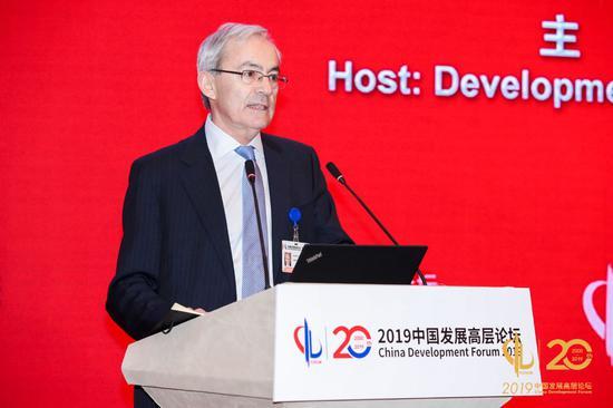 伦敦政治经济学院教授、2010年诺贝尔经济学奖获得者克里斯托弗·皮萨里德斯