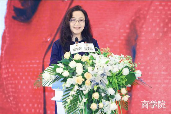 安踏副总裁李玲:999元产品卖到县级市 被一抢而空