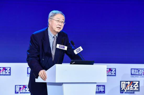 周小川:很多民企感到制造业产能过剩 而服务