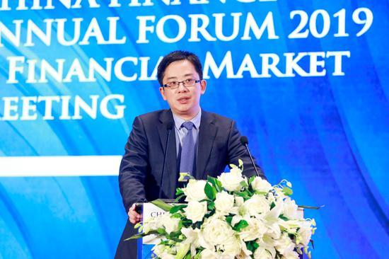 黄奇帆:提请全国人大通过增发1万亿特别国债支持企业