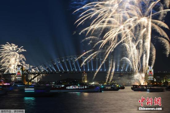 原料图:澳大利亚2016年烟火外演。