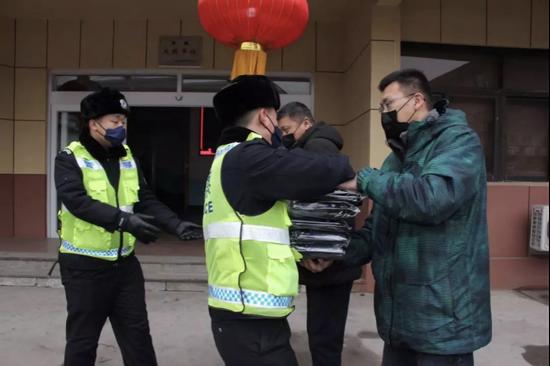 全文|12月27日外交部发言人耿爽主持例行记者会