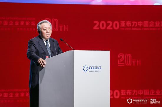 吴晓求:网贷作出巨大贡献 不应随便给新金融业态扣高利贷的帽子