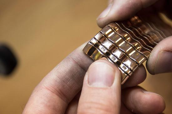 周三黄金期货收高0.7% 连续第5个交易日上涨