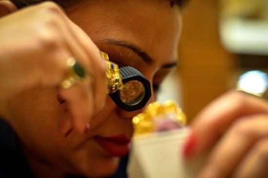 周四黄金期货收跌0.4% 市场关注联储加息讯号