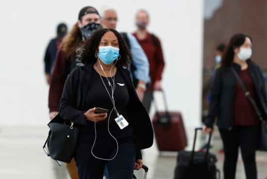 美国单日航空流量自疫情以来首次超过200万
