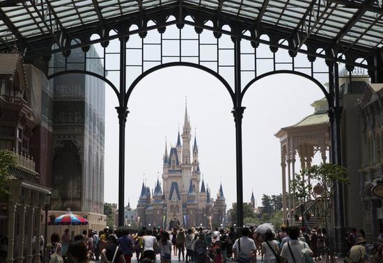东京迪士尼乐园宣布将关闭两周