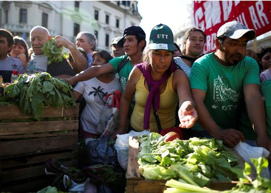 阿根廷新政府上调大豆出口税 当地农民境遇雪上加霜