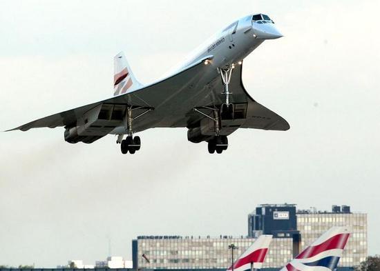 2003年10月,英航末了一架协调式飞机在。伦敦希思罗机场着陆