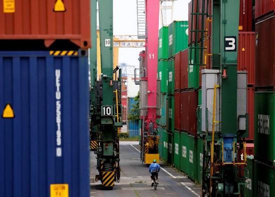 统计局详解8月经济:稳中有进 基础设施投资加速