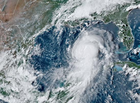 勞拉直指美國能源業心臟地帶 勢將發展成災難性的四級颶風