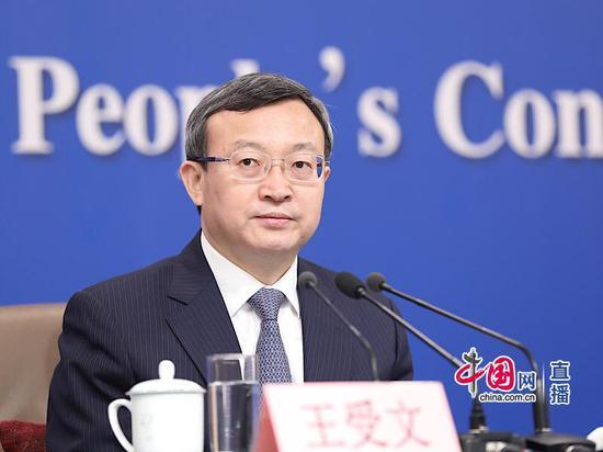 商务部副部长兼国际贸易谈判副代表王受文