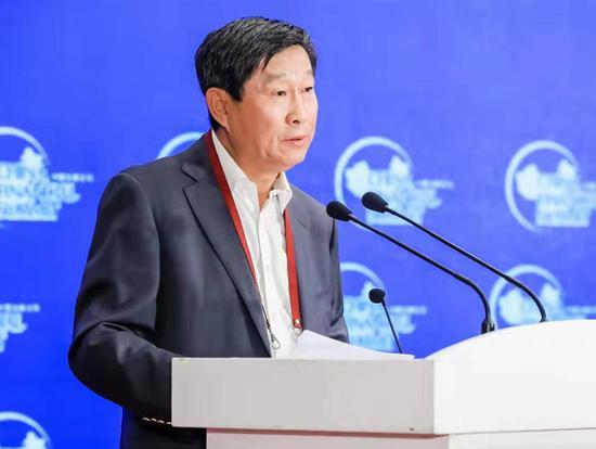 王洪章:银行作为虚拟经济特性被放大 推高融资价格
