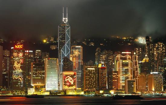 深圳外汇:香港回归20周年 港离岸人民币中心的地位开始稳固、加强。