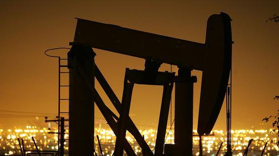 周四美油收高1% 因沙特称将削减出口