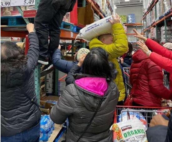 """新京报:重构规则赋予外卖小哥""""慢的权利"""""""