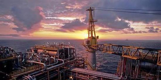 沙特石油大臣敦促OPEC+谨慎行事 尽管疫苗消息带来曙光