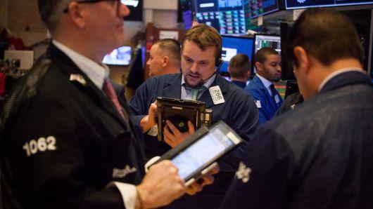 美股周四收跌 科技股跌幅领先