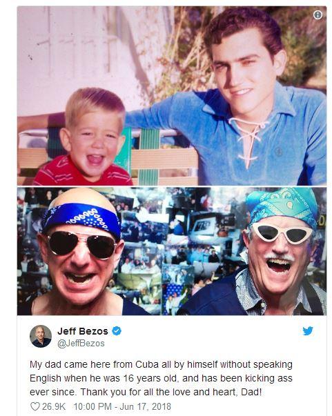 贝佐斯往年1月发布的一条推特,上图为他幼时和继父的相符影