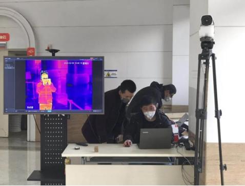 工程师为四川电信安置调试炎成像监控编制