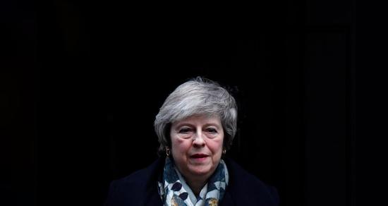 2018年12月17日,英国伦敦,英国首相特雷莎·梅脱离唐宁街10号。REUTERS/Toby Melville